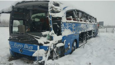 Photo of Three people dead, 32 injured as Macedonian bus turns over near Leskovac