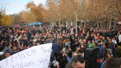 Photo of Albania's government fulfills demands of boycotting students