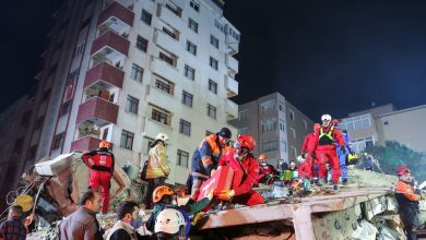 Photo of Girl and boy rescued from collapsed building in Istanbul