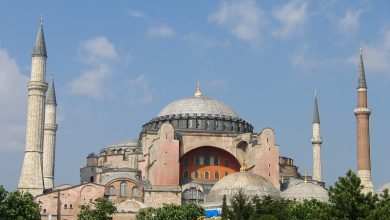 Photo of Turkey allows visitors to Hagia Sophia outside prayers, icons remain