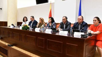 Photo of Independent VMRO-DPMNE MPs condemn secretly taped conversations posted on YouTube