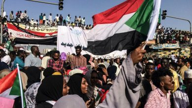 Photo of Sudan protest organizers suspend talks with military