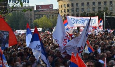 Photo of Serbian President Vucic strikes back at protesters with own rally