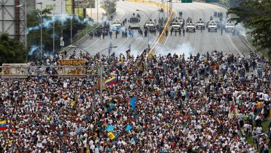 Photo of Repression increases in Venezuela as protesters clash with police