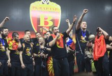 Photo of Vardar welcomed home by ecstatic crowds