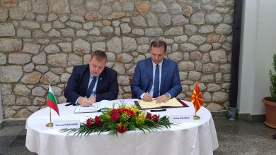 Photo of North Macedonia, Bulgaria sign protocol on cooperation in combating human trafficking