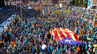 Photo of Hundreds of thousands of Catalans rally for independence