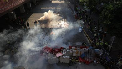Photo of Hong Kong protest heats up as police deploy tear gas, block transport