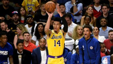 Photo of Davis stands tall under pressure to deliver Game 2 win to Lakers