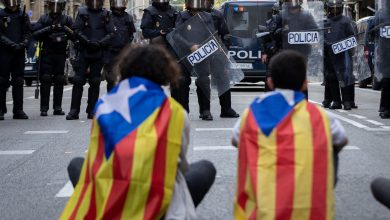 Photo of Catalan police: 54 people arrested after Friday protests, violence
