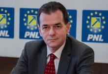 Photo of Romanian premier, 4 ministers fined for flouting virus rules at party