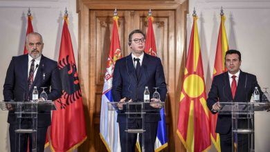 Photo of Vucic discusses Ohrid summit, 'small Schengen' with Zaev and Rama
