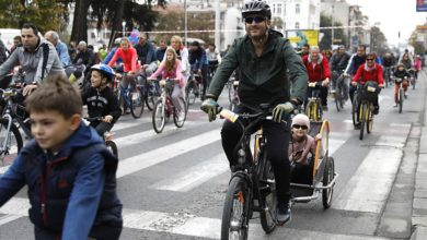 Photo of Crowds of cyclists pedal through Skopje