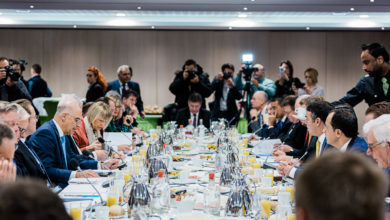 Photo of FM Dimitrov meets new EU Commissioner Varhelyi, attends working breakfast of EU foreign ministers