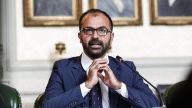 Photo of Italian education minister resigns over lack of funding