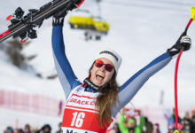 Photo of Goggia wins super-g with one ski pole; men's slalom cancelled