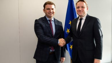 Photo of Osmani meets EU Enlargement Commissioner Várhelyi in Brussels