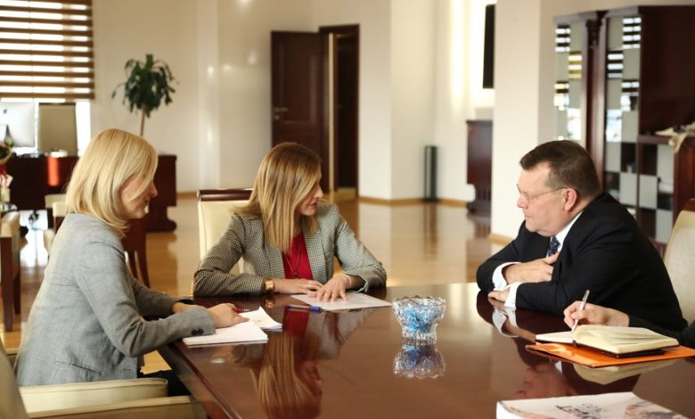 Photo of FinMin Angelovska signs cooperation memo with Netherlands
