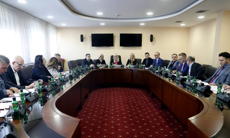Photo of Deskoska: Political parties to submit amendments on PPO law by Saturday noon