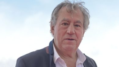 Photo of Monty Python's Terry Jones dies aged 77