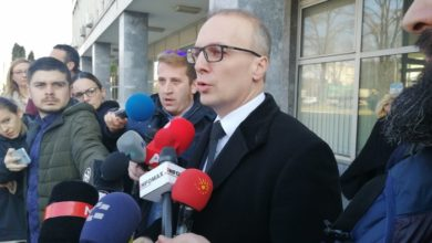 Photo of MP Miloshoski hands over recording played in Parliament to prosecutors