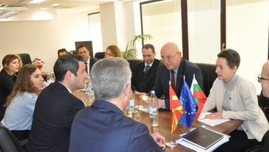 Photo of Nuredini, Dimitrov discuss enhancement of crossborder waste control