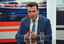 Photo of Zaev says he's showing no symptoms while self-isolating in Strumica