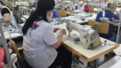 Photo of Shtip textile workers sew first batch of face masks to fight coronavirus