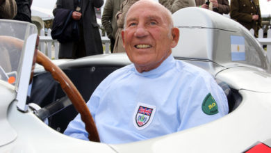 Photo of Motor racing legend Stirling Moss dies aged 90