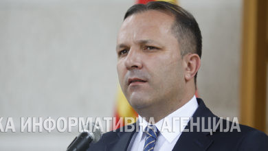 Photo of PM Spasovski tests negative for COVID-19, remains in home isolation