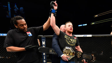 Photo of Gaethje prevails at UFC 249 in what could be start of sports' return