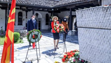 Photo of Government delegation lays wreaths at Goce Delchev's tomb