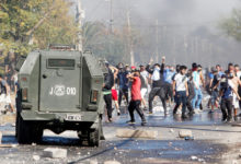 Photo of Angry protesters demand food in Chilean locality hit by COVID-19