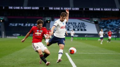 Photo of Fernandes gives Man Utd draw at Spurs; Southampton win at Norwich