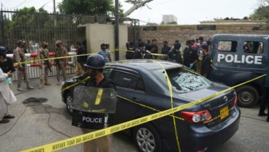 Photo of At least 10 dead in attack on Pakistan stock exchange