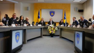 Photo of Kosovo scraps trade barriers against Serbia, opening way for talks