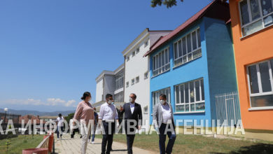 Photo of PM Spasovski and Deputy Environment Minister Makraduli visit school