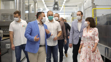 Photo of Deputy PM Carovska visits plant in Skopje