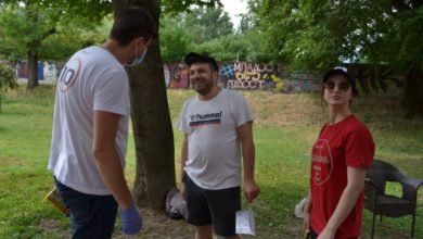 Photo of Macedonian Concept's MP candidate Bogojeski meets citizens in City Park