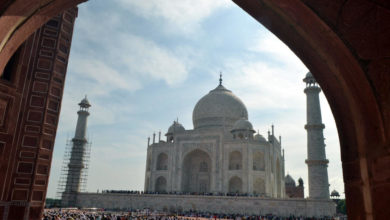 Photo of India's Taj Mahal shut, tourists evacuated after bomb threat call