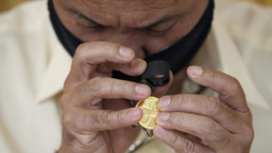 Photo of Gold hits record high amid US-China tensions, Covid-19 pandemic