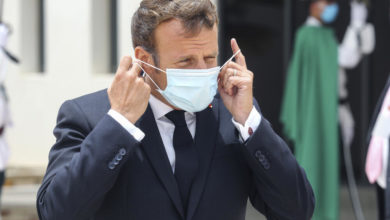 Photo of France's Macron warns against new European border closures for virus