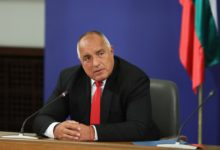 Photo of Bulgarian premier hints at resignation, but demands assembly first