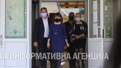 Photo of Minister Carovska visits elementary schools