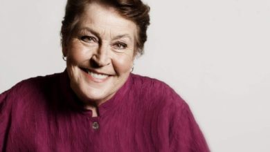 Photo of Helen Reddy, Australia's 'I Am Woman' singer, dies aged 78