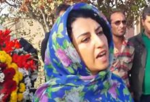 Photo of Jailed Iranian human rights activist Mohammadi out of detention