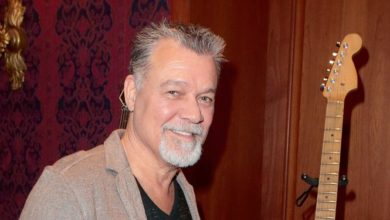 Photo of Tributes flow after death of guitar legend Eddie Van Halen