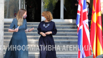Photo of Defence Minister Radmila Shekerinska and British Ambassador Rachel Galloway give statements