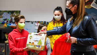 Photo of PM Zaev sends New Year's presents to orphans, homeless children