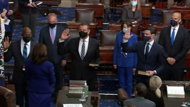 Photo of Kamala Harris swears in three Democratic senators